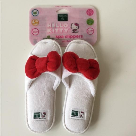 earth therapeutics shoes hello kitty spa slippers nwt poshmark